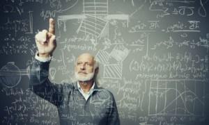 Схемы и формулы на школьной доске