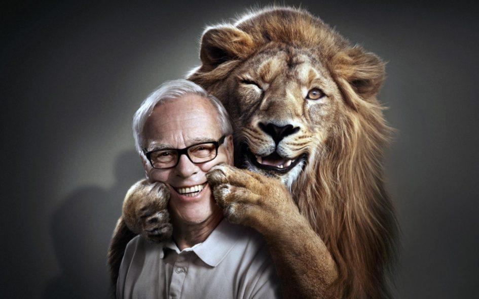 Лев и мужчина
